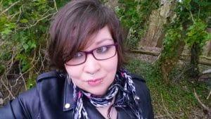 Avril Cara autrice de romans lesbiens