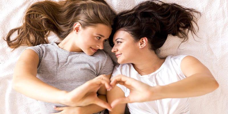Amour entre Femmes